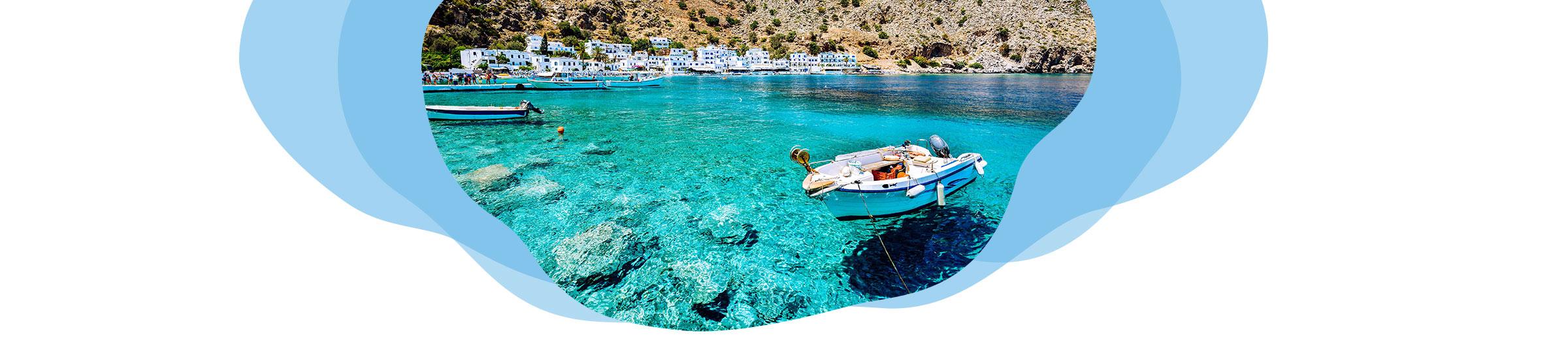 Bucht mit klarem Wasser auf den Griechischen Inseln