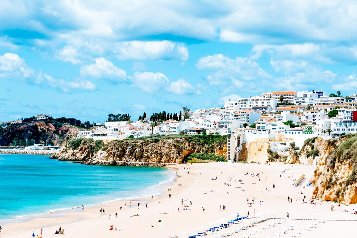 Strand von Albufeira - Roadtrip entlang der Algarve