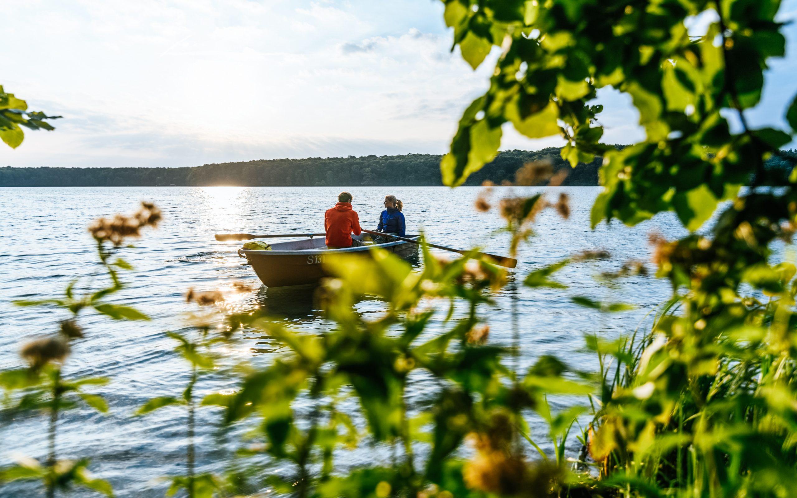 Bootfahren auf dem Stechlinsee, Brandenburg