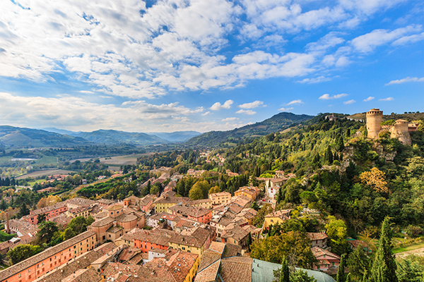 Landschaft Emilia Romagna - Reiseziele im Frühling