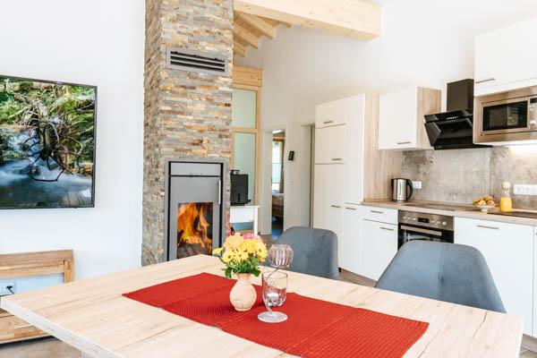 Essbereich und Küche im Chalet an der Sternwarte