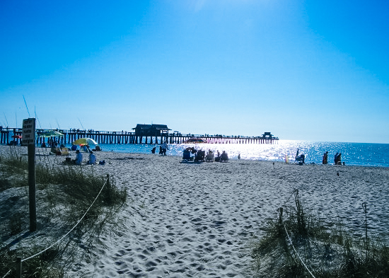 Pier und Strand in Naples in Florida