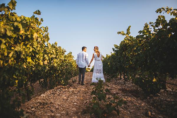 Paar in den Weinbergen - Hochzeitslocations