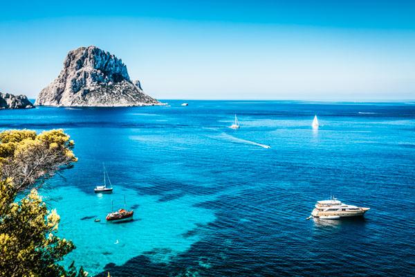 Ibiza Blick aufs Meer - Familienurlaub auf den Balearen