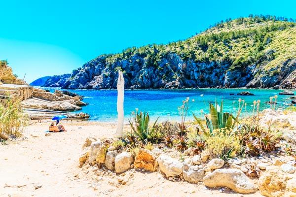 Strand auf Ibiza - Strandurlaub auf den Balearen