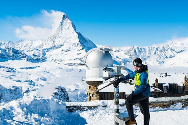 Ausblick aufs Matterhorn - Weihnachten im Schnee