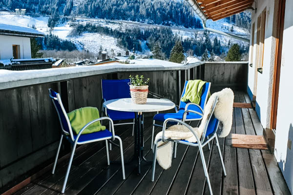 Terrasse mit Ausblick in der Ferienwohnung Badbruckerweg
