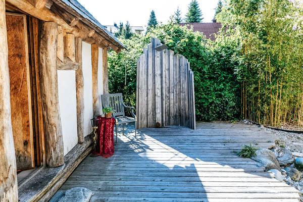 Außendusche der Luxus-Villa Wörthsee