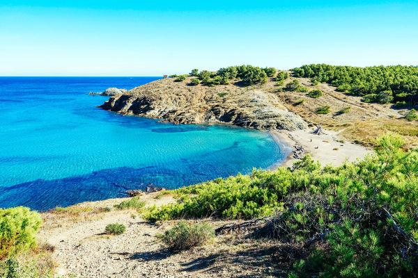 peaceful-beach-of-mediterranean-sea-in-spain