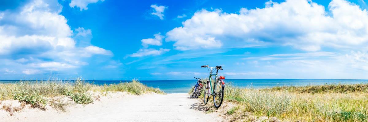 Fahrräder am Strand von Rügen - Reisetipps Rügen