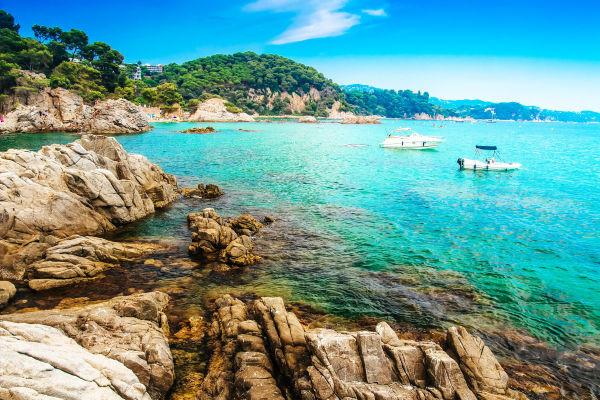 seaside-in-spanish-resort-costa-brava-lloret-de-mar