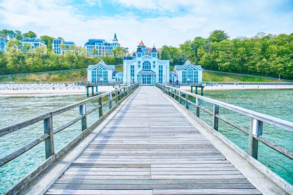 Seebrücke und Pier in Sellin auf Rügen