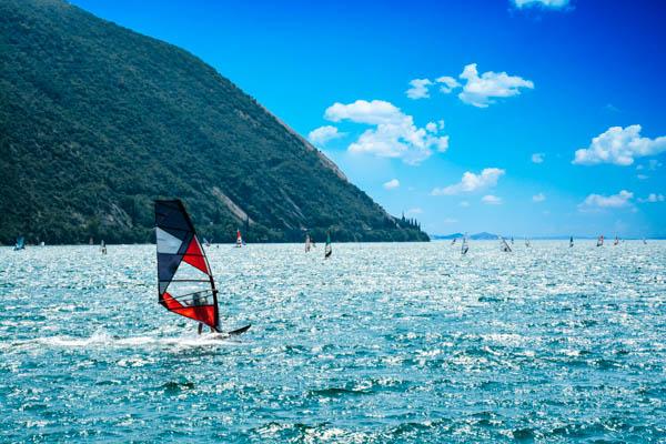 Windsurfer auf dem Gardasee