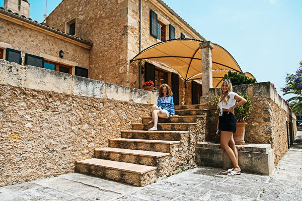 Finca Sa Bella Vista Besuch, Doris Obermayr und Carlotta Stegemann