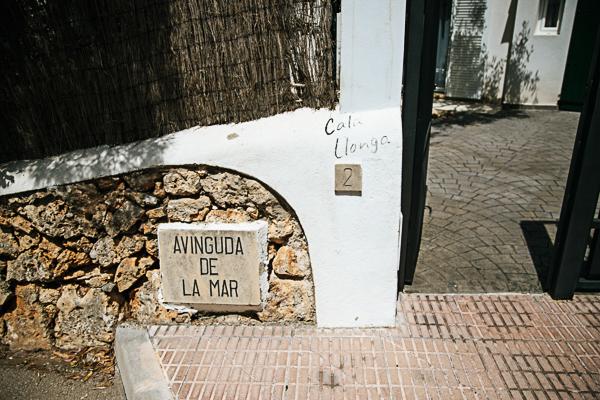 Die Außenfassade der Cala Llonga, Cala D'Or