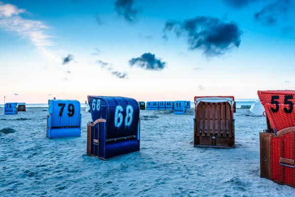 Strandkörbe am Strand von Neuharlingersiel