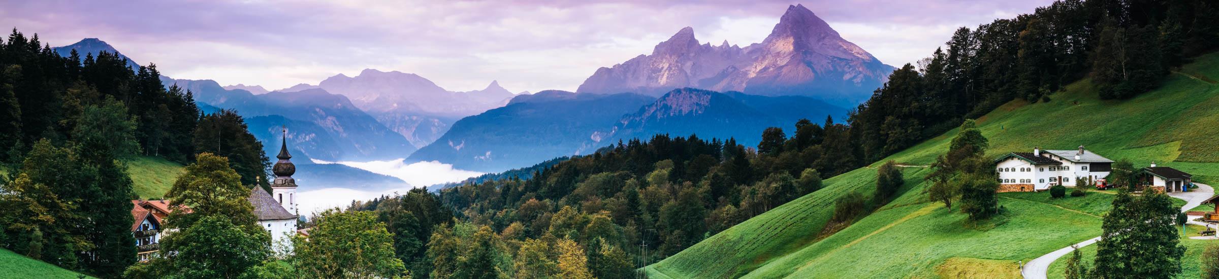 Blick auf die Berge und den See im Berchtesgardener Land, Vorstellung Bayerns Urlaubsregionen