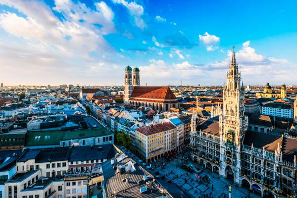 Blick auf Münchens Innenstadt aus der Vogelperspektive