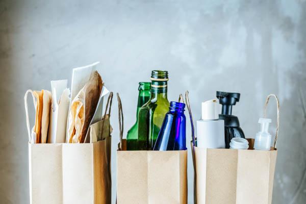 Mülltrennung ist auch in einer Ferienwohnung wichtig und kann in der Hausordnung festgelegt werden.